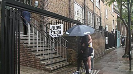 UK: Londoners hit polling stations for Brexit referendum