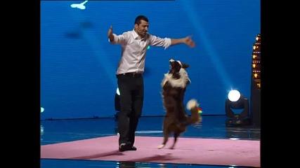 Сладко kученце танцува