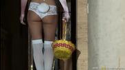 Секси Зайче събира яйца Великденска Промоция
