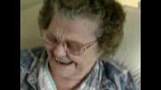 Смях На Бабичка