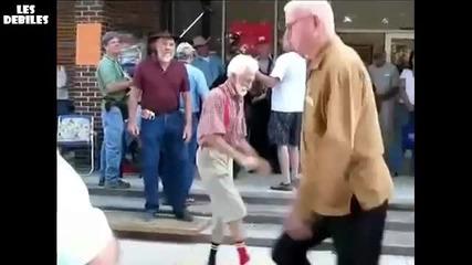 Луда дядка танцува супер яко