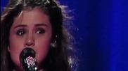 Селена Гомез се разплаква докато пее Love Will Remember