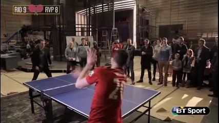 Фърдинанд и Ван Перси играят тенис на маса
