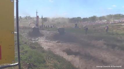 Лудите руснаци отново къртят… само вижте какво се случва на едно рали с трактори