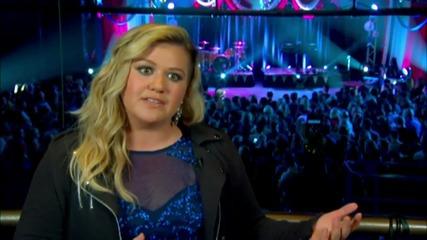 Kelly Clarkson At Macy's Fireworks Celebration