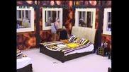 Ели и Сашка внимателно и старателно ровят в шкафчето с вещи Big Brother Family 04.05.2010