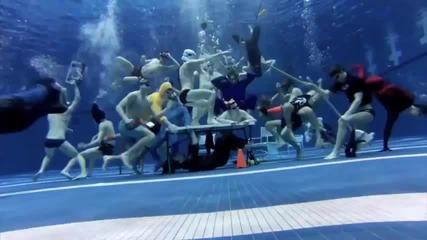 New! Harlem Shake под вода !