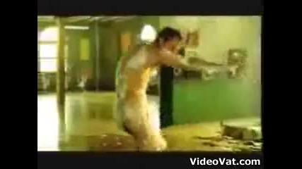 Axe Душ гел: падане от пода