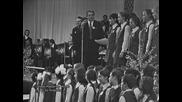 Very H Q: Песента на крокодила Гена - Серьожа Парамонов и Большой Детский Хор - Песня года-72
