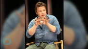 Celebrity Chef Jamie Oliver Hires Bank to Find Restaurant Investor: Times