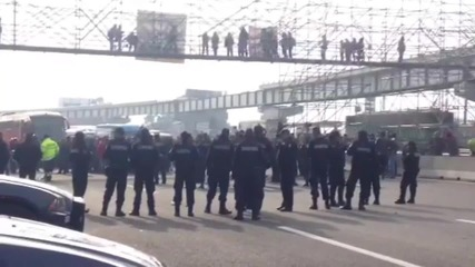 Mexico: Protesters block highway to demand pedestrian bridge