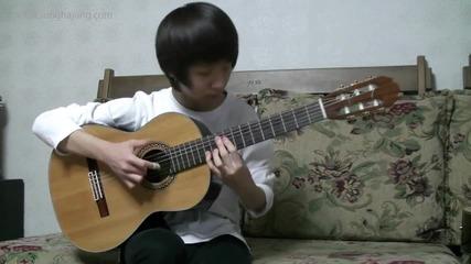 Това момче свири изомително