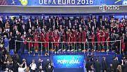 Награждаване на новитe европейски шампиони от Португалия