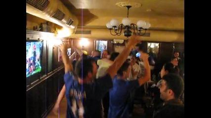 Феновете на Челси в Пловдив избухват след победната дузпа на Дрогба