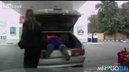 Женско бедствие на бензиностанцията