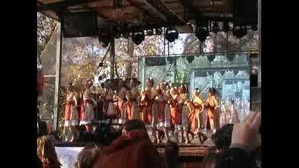 Деца от Благоевград и Дупница на коледното тържество в Драма