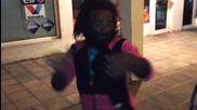 Наско циганина танцува на Фики - Бум