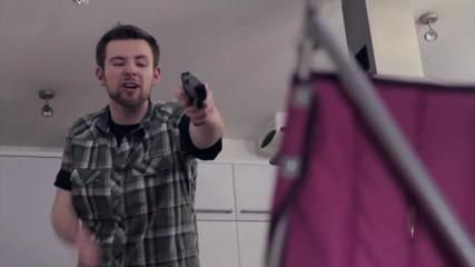 Бебе с пистолет [ смях ]