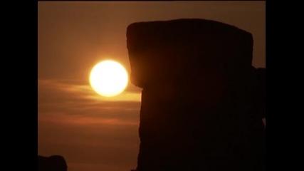 Хиляди поклонници на слънцето посрещнаха лятното слънцестоене в Стоунхендж