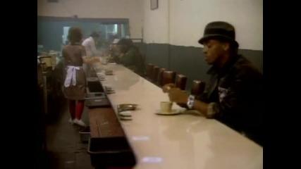 Майкъл Джексън - Изчезвай ( Beat it )