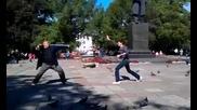 Руснаци с Гълъби се правят на каратисти