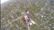 Момчета си правят селфи от върха на тв кула в Естония!