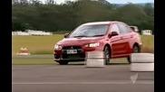 Bmw 135i наказва Mutsubishi Lancer Evolution - Top Gear