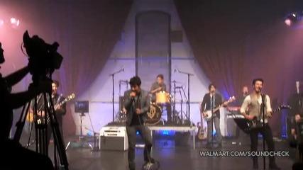 Jonas Brothers - L.a. Baby (2010 Walmart Soundcheck)