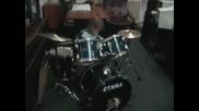 Djuradj svira bubnjeve,  2 Godine