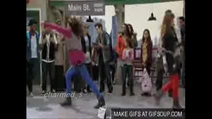 Shake It Up ! New Disney channel show