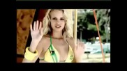 Спасителка на плажа която не бихте искали да ви спасява :)))
