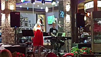 Стелияна Христова & Савов - Моите Кафеви Очи (Caramel Music Hall)