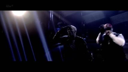 Eminem пее на живо