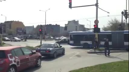 """Най-лудия светофар в света е във Варна! 3 секунди """"зелено"""", 12 """"червено"""""""