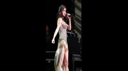 Selena Gomez Midlle of nowhere