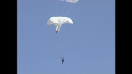 Кошмарно , руски десантчици се заплитат във въздуха , но успяха да избегнат смъртта !