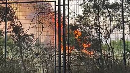 Greece: Helicopters battle wildfires in Athens suburb