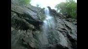 под Згориградския водопад след спускане по него - 80м.