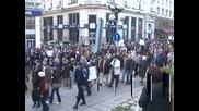 Учени излизат на протест пред Министерството на образованието