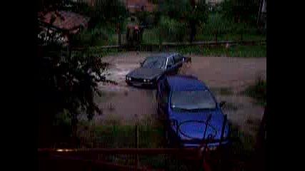 Наводнения - 2005 BMW Във Водата