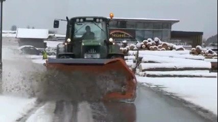 John Deere 6530 с вериги е най - добрия снегорин