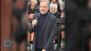 Neil Diamond Blows Out the Heartlights at Brooklyn Homecoming Show