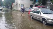 Градушка, щети и наводнение в центъра на София