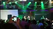 Christian Chaves y Anahi en Roomies cantando Libertad
