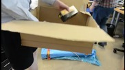 Няма да повярвате колко ненужна опаковка е използвана да превозва една-единствена батерия