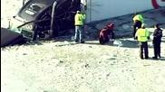 Камион се разбива в ледено езеро в Минесота