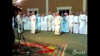 Супер луди араби танцуват на музката на Майкъл Джексън