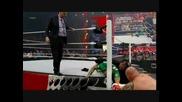 John Laurinaistis Напада Наранената Ръка На John Cena