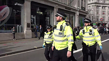 UK: Extinction Rebellion protesters detained after defying London protest ban