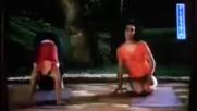 Дженифър - 03 - Покаже Йога Пози За Силни Крака